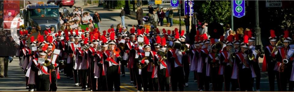 Libertyville High School marching band on Milwaukee avenue