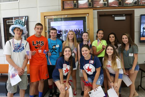 Link Crew  students at Freshman Orientation