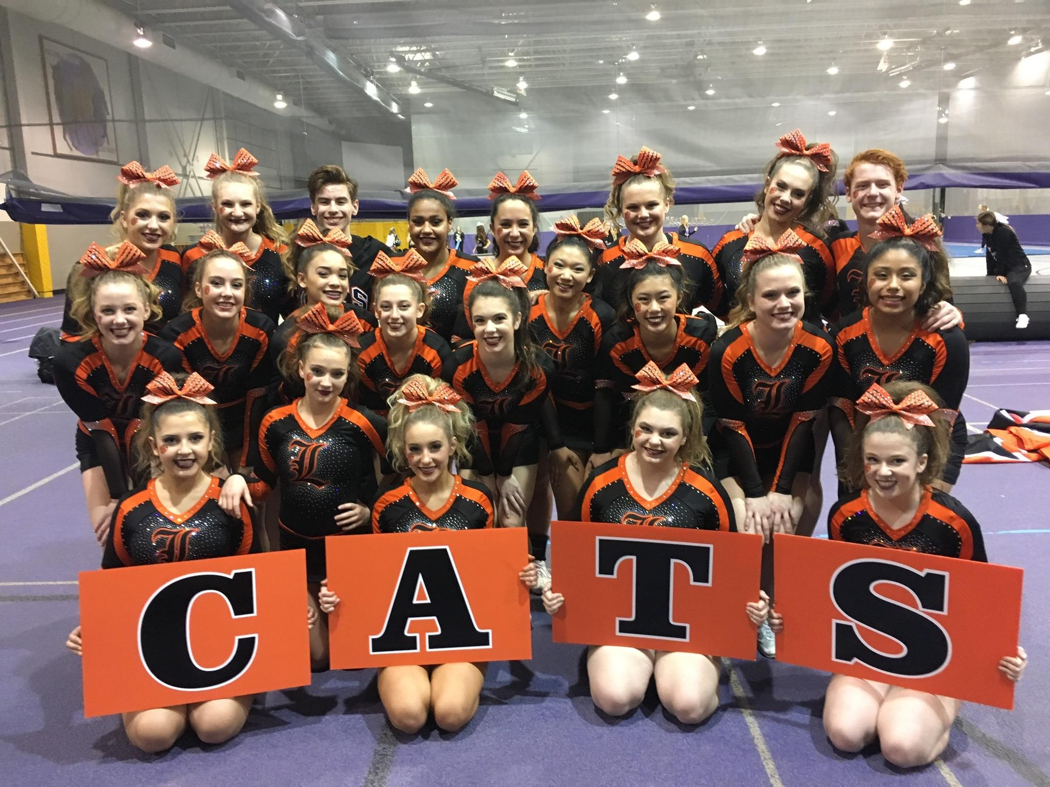 Varsity team photo at Rolling Meadows Competition