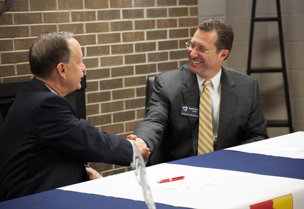 ICC and Pitt State sign advisement agreement, Pitt State NOW