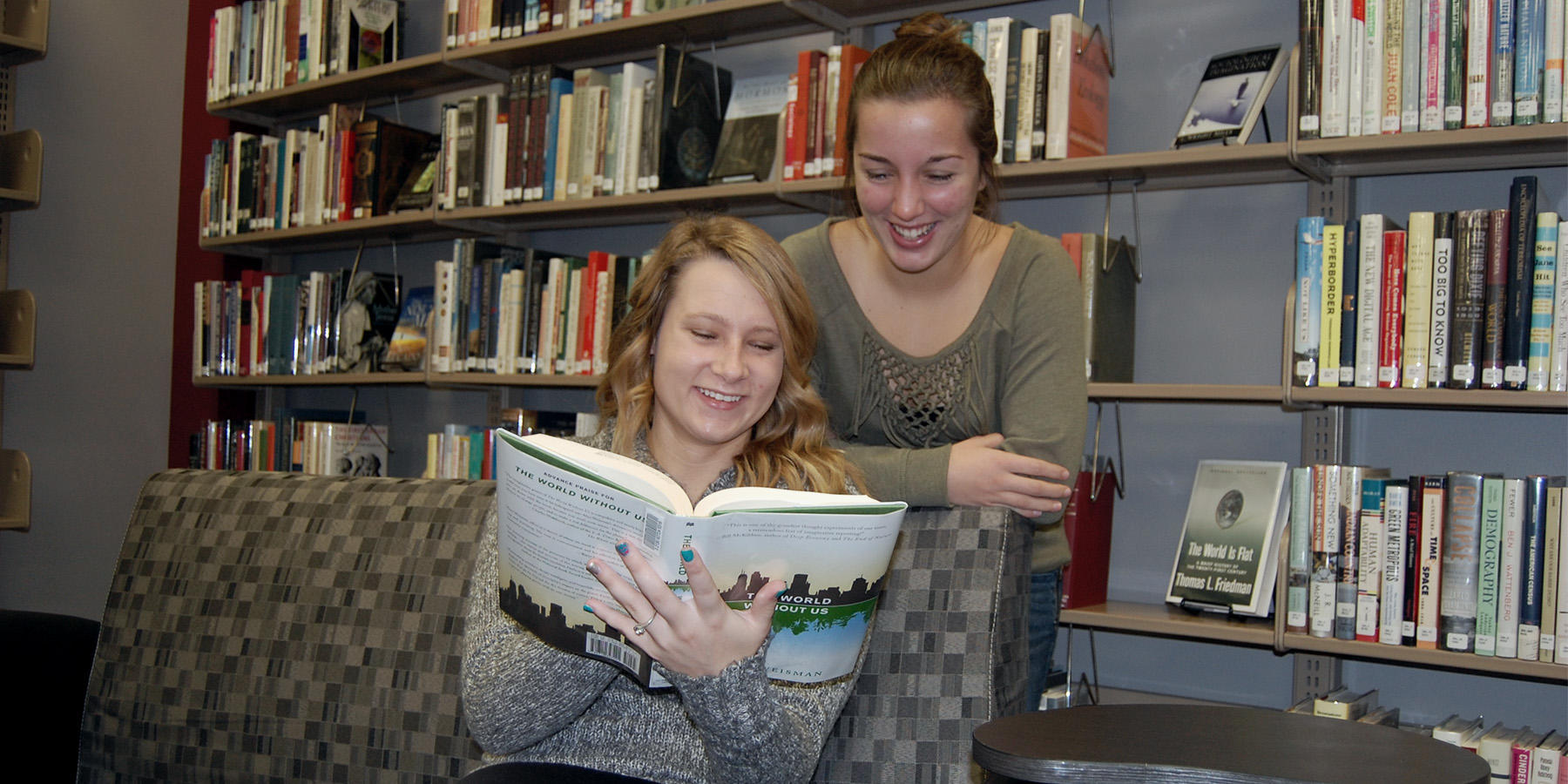 ICC Students Reading in Library