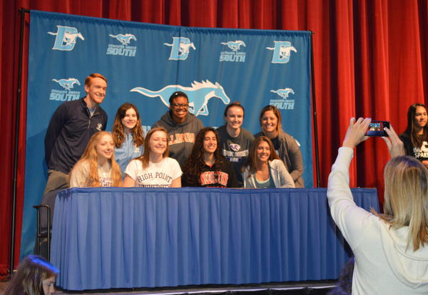 37 DGS Student-Athletes Celebrate All-Sign Day