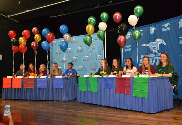 10 DGS Student-Athletes Sign National Letter of Intent