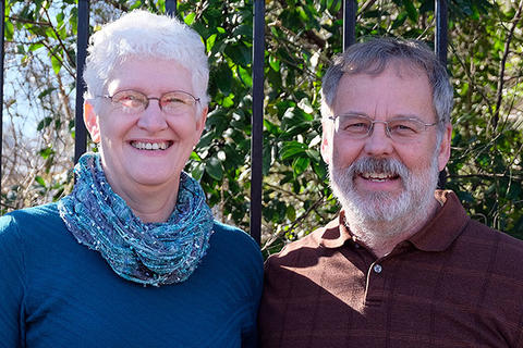 Cynthia and Roger Neufeld Smith (Master of Divinity, 1986 and 1989)