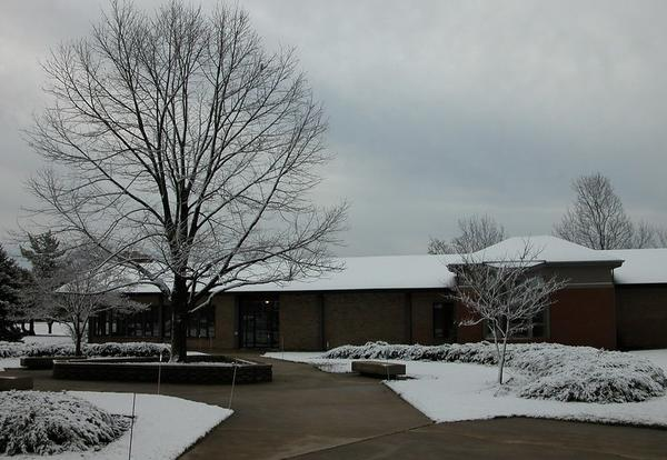 Snow in the AMBS courtyard, spring 2007.