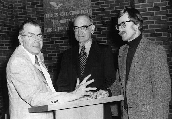 (l. to r.) Lyle Schaller, Howard Zehr and Jacob T. Friesen at a Ministers' Workshop held at AMBS in 1976. (AMBS photo)