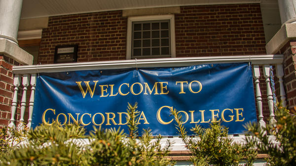 Welcome to Concordia sign