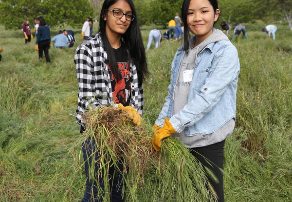 Freshmen Strengthen Sisterhood & Care for the Environment