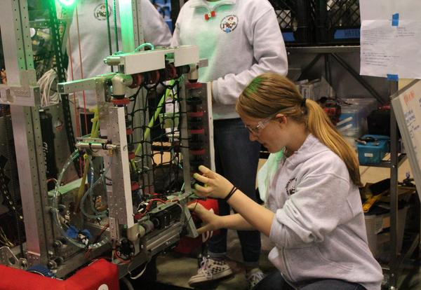 Janksters Finish Robotics Season With Accolades