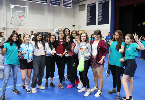 Juniors Help Little Sister Class of 2023 Choose Colors & Mascot