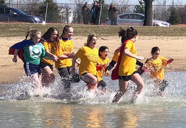 KSD 140 Polar Plunge Team Supports Special Olympics Illinois Athletes