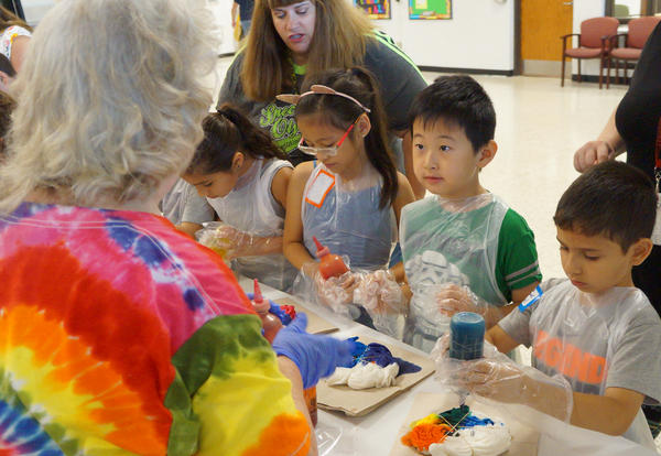 D140 Summer School Students Create Tie Dye Originals