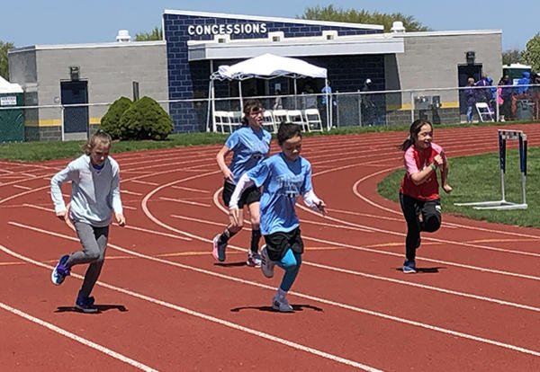 track athletes running race