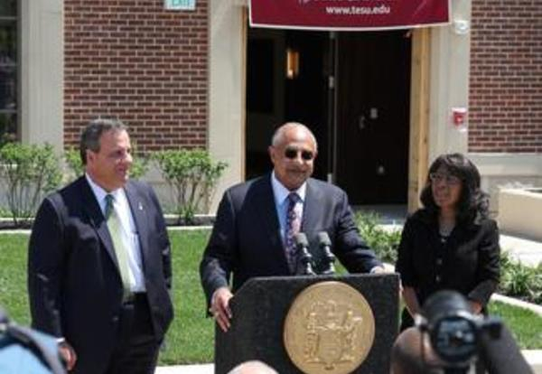 Gov. Christie Lauds Thomas Edison State University Building Project
