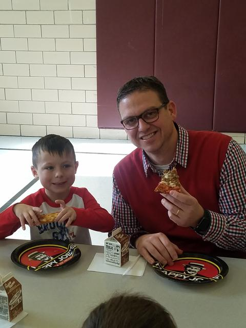 """Nov. 2017 """"Pizza with the Principal"""" Party"""