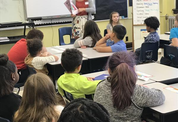 Shelby Knobloch visits Irving 3rd Graders