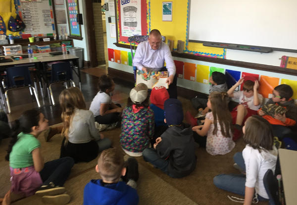 Mystery Readers visit Irving 3rd Graders