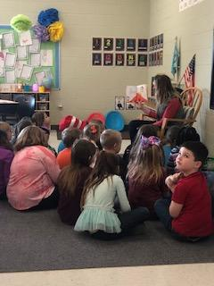 Belle Classrooms celebrate Dr. Seuss by listening to stories