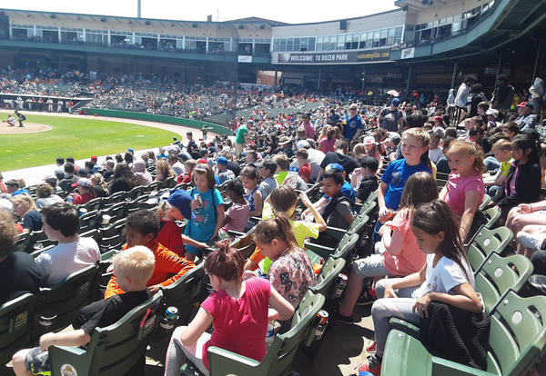 Irving 2nd Graders attend Peoria Chiefs Baseball Game!