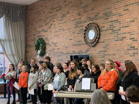 KHS Choir Performing