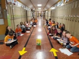 Belle students reading in hallway