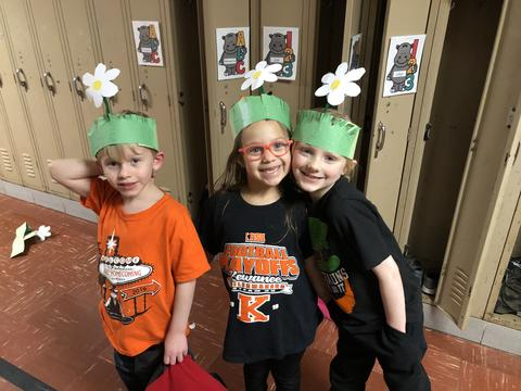 3 Belle students with Seuss Hats