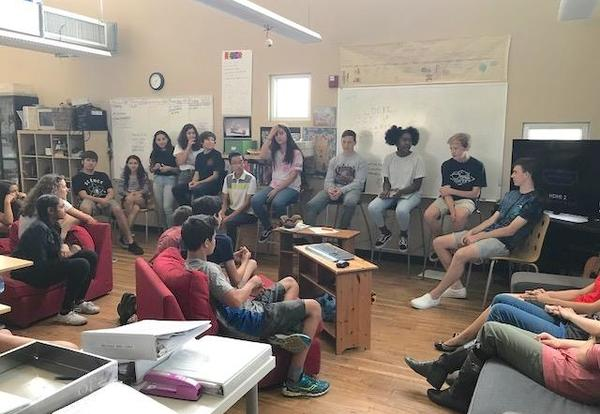 Alumni Visit AZ Eagles to Give Advice About High School