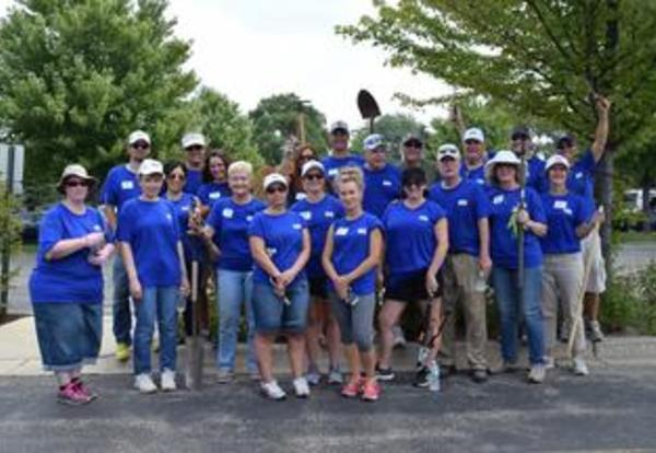 USI Helps Cove Beautify its Surroundings for the Start of the School Year
