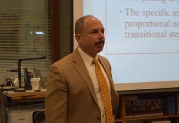 Neuropsychologist, Dr. Warren Rosen Speaks at Parent Association Meeting