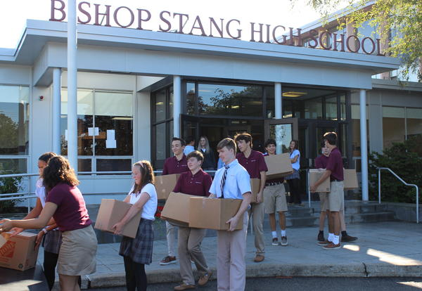 National Honor Society Students Collect Food for Local Food Pantries