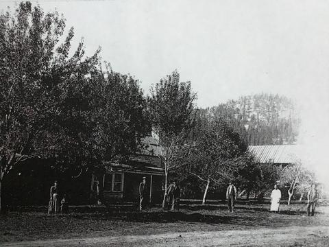 mills ranch house