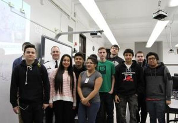 Army Corps of Engineers Meet with STEM Challenge Students