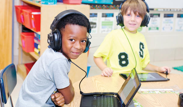Sudduth students use electronic learning tools
