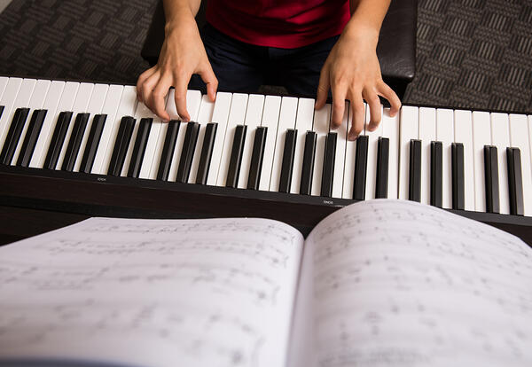 Piano Labs Approved at Partnership Middle School & Starkville High School