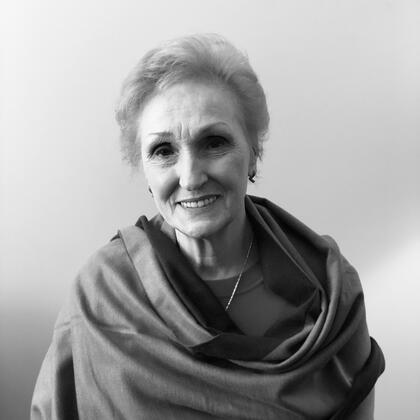 Dr. Charlotte Edwards