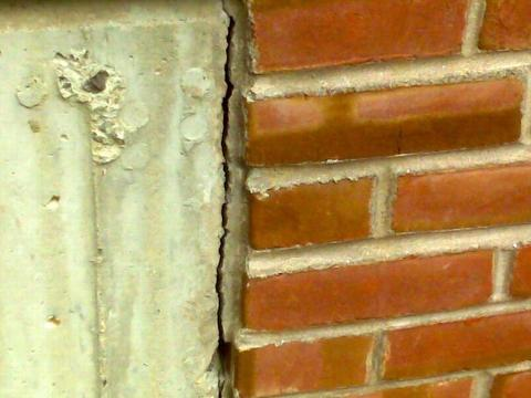Repointing The Brick & Block 02