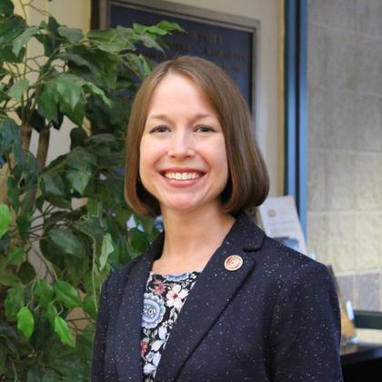 Dr. Kristin Szewczyk