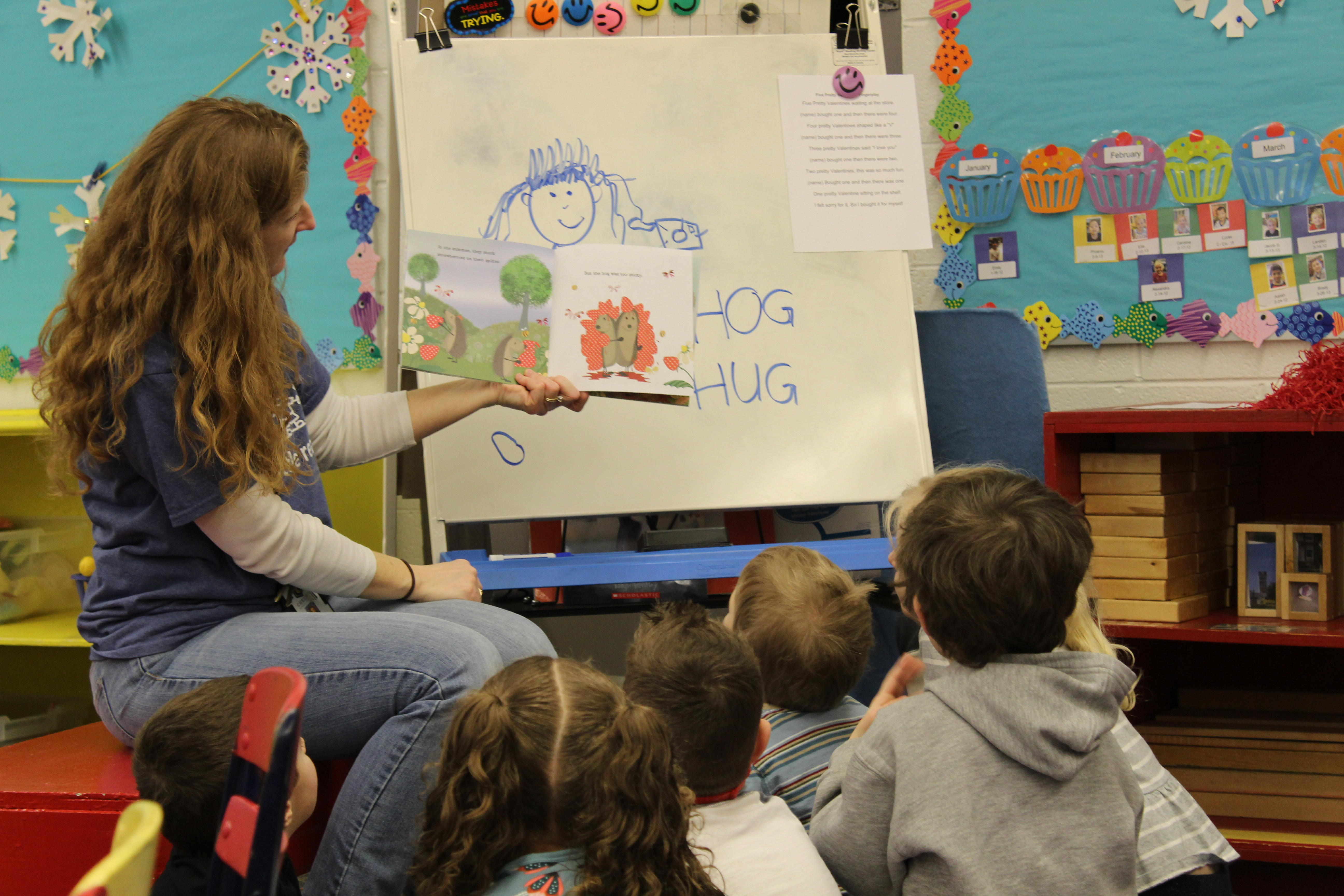 reading mini lesson with teacher and students