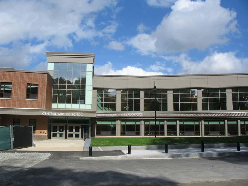 Outside view of Stoneham Central Middle School