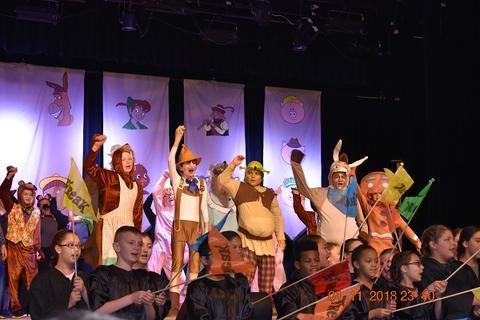 Shrek Jr. The Musical image for 030