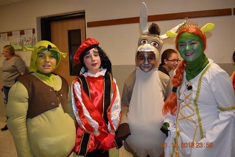 Shrek Jr. The Musical image for Shrek 7