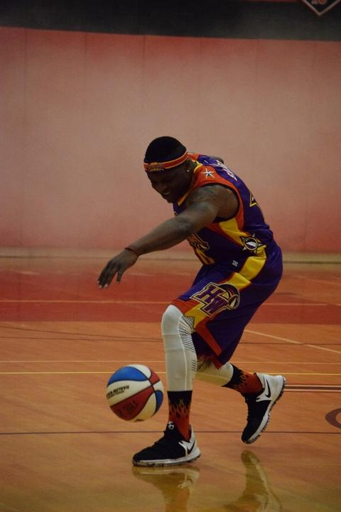 Wizards player doing some basketball tricks