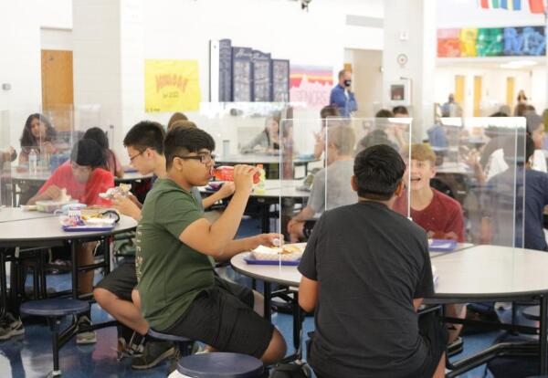PVHS Students eating lunch