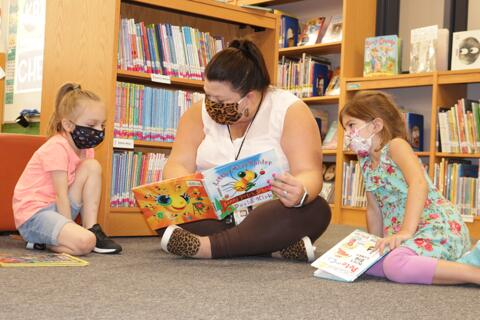 Library Lessons at Riverdale Heights (4)
