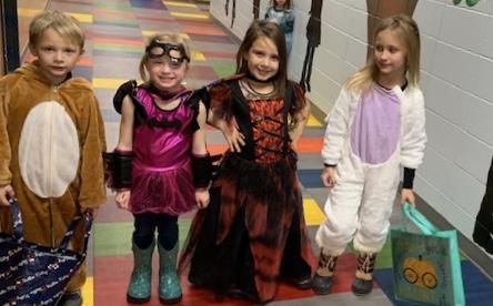 Kids in Halloween costumes - Photo #3