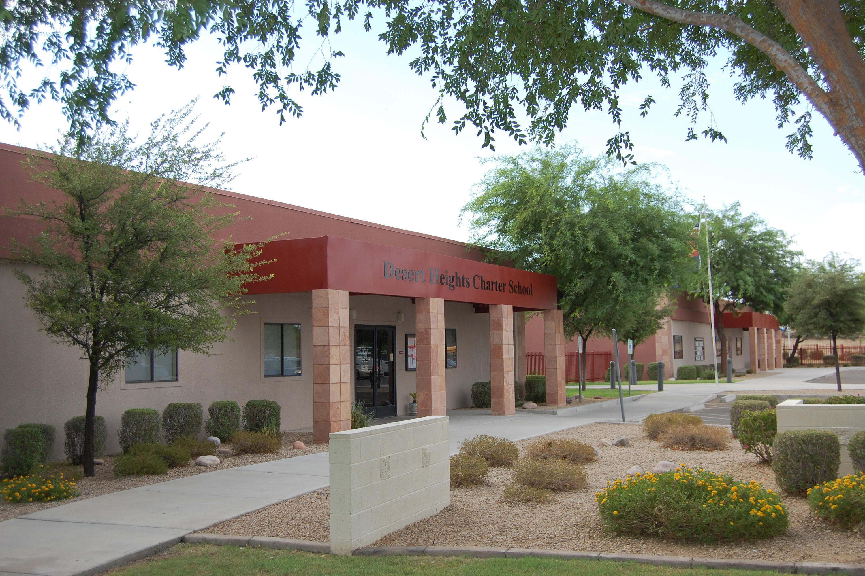 Front view of building at Desert Heights Charter School