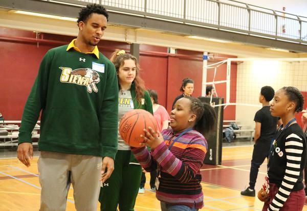 Siena talks athletics, academics with sixth-graders