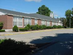 Image showing the front of Hampton Falls - Lincoln-Akerman School