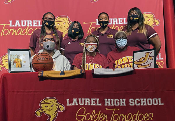 Zoey Cooley signs with Jones College
