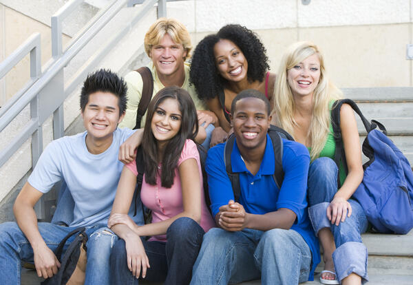 college_students_diverse_group